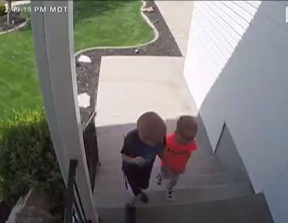 Camera captures adorable moment after boys find cash