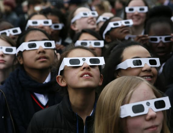 University recalls thousands of eclipse glasses