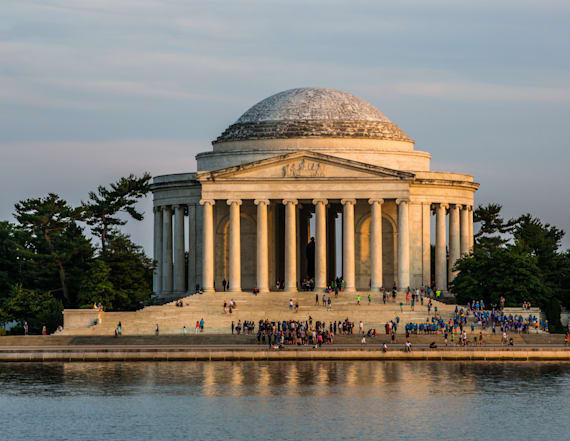 Jefferson Memorial to be updated with slavery record
