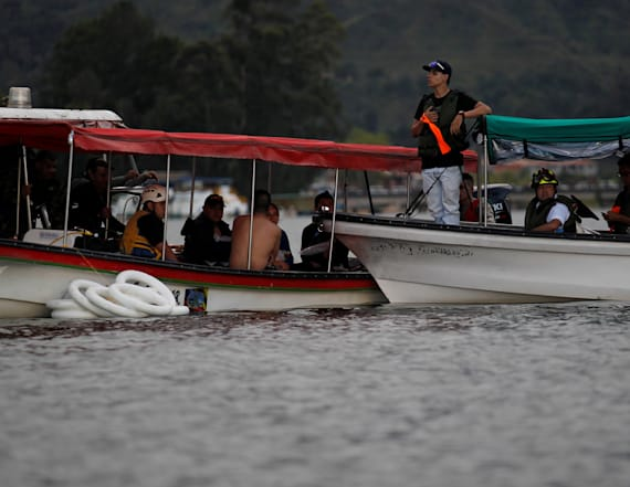 Deaths reported after Colombia tourist boat sinks
