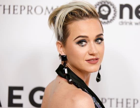 Katy Perry roars to record Twitter followers