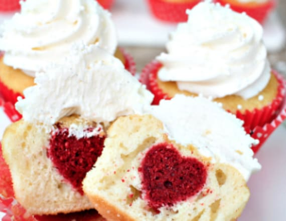 Pink and fluffy Valentine's Day desserts