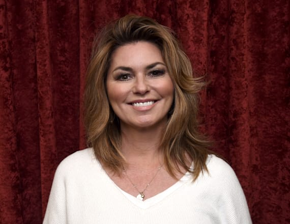 Shania Twain looks like a total hottie in new video