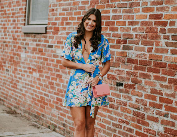 Street style tip of the day: Wrap mini dress