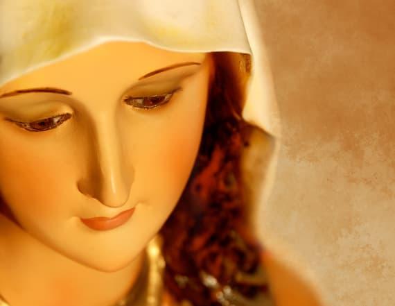 New Jersey mayor tears down shrine to Virgin Mary