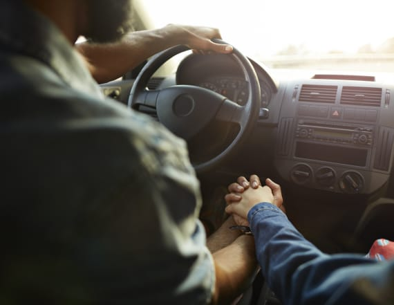 Couple unwittingly drove 10 miles with man on trunk