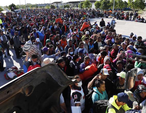 Central American migrants arrive at U.S. border