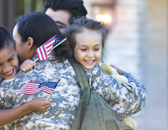10 heartwarming veteran homecomings