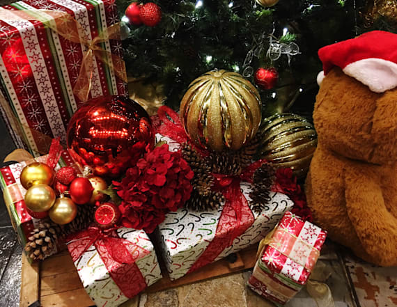Man organizes holiday gifts for 350 children in need