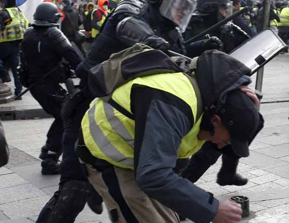 Hundreds arrested as riots engulf French capital