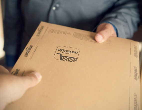 Here's how to delete your entire Amazon history