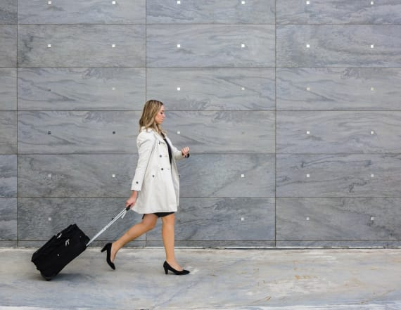 10 travel-friendly business dresses