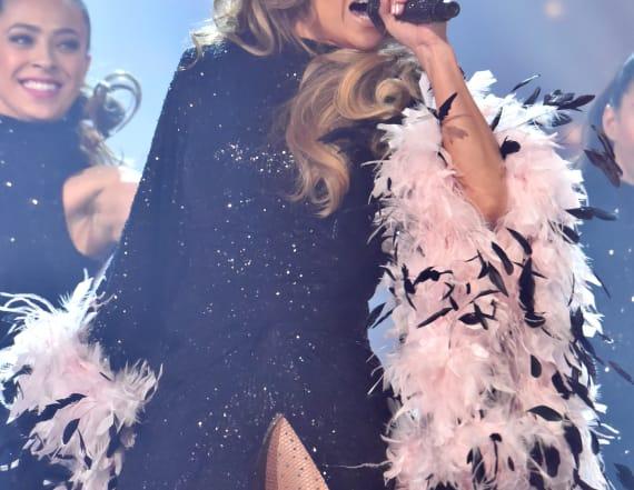 Critic responds to J.Lo's motown tribute