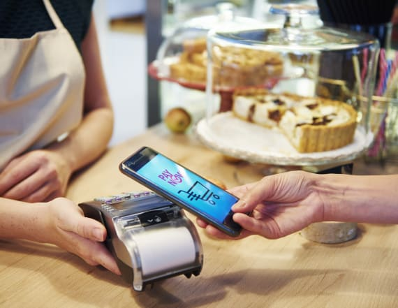 New York, other cities want to ban cashless stores