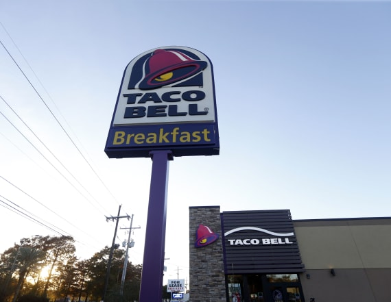 Taco Bell plans to pay managers $100,000 salaries