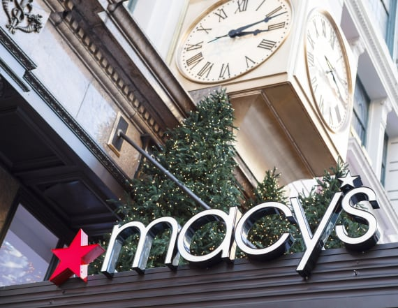 Macy's pulls plates after Twitter backlash