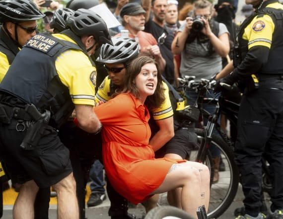 13 arrested, 4 hurt at Portland right-wing rally