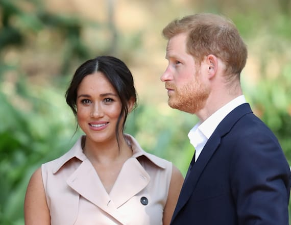Report: Harry, Meghan 'considering' move to Canada