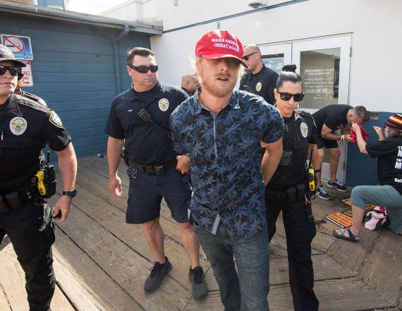 Man allegedly uses bear spray on anti-Trump protest