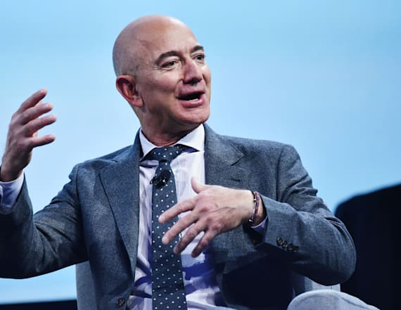 Bezos buys estate in Beverly Hills for record $165M