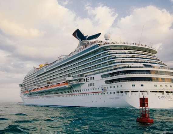 Carnival Cruise Line to ban 'offensive clothing'