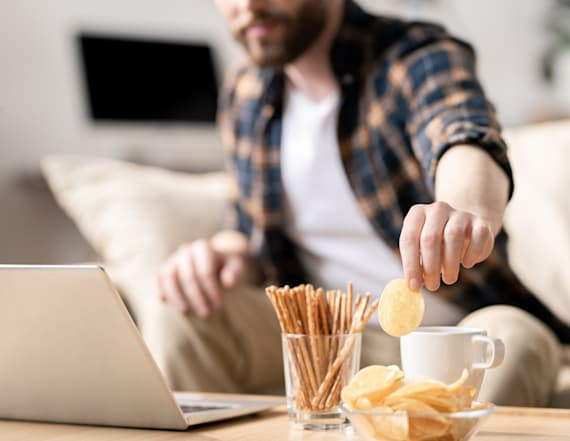 How to stop snacking all day while working from home