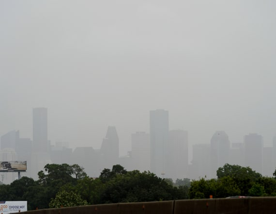 'Godzilla dust cloud' drifts over U.S. Southeast