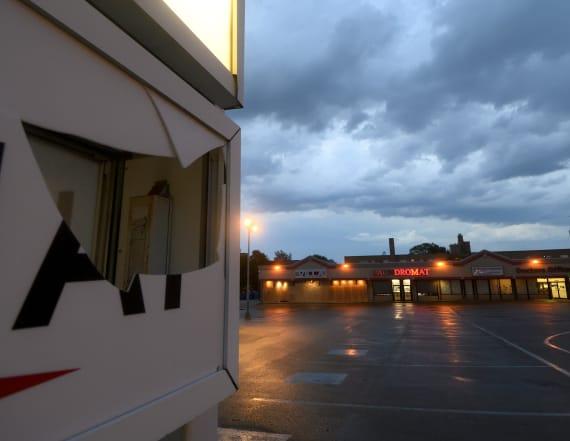 Rare derecho kills 4, cuts power in mid-Atlantic