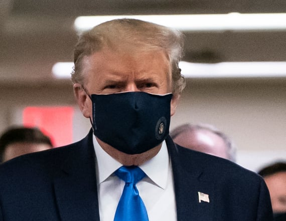 Trump wears mask in public for first time