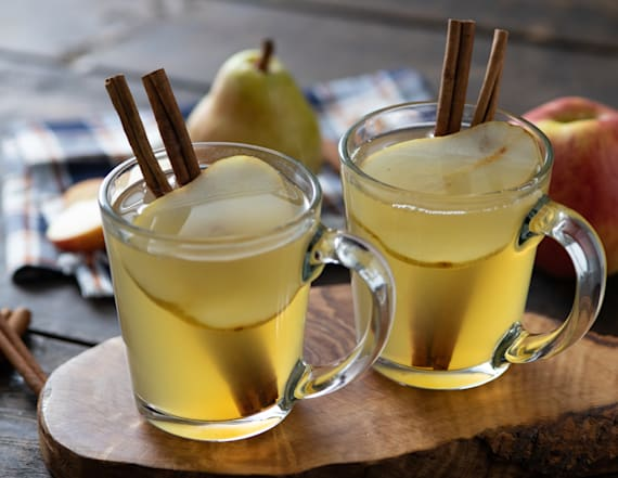 Sip on this spiced pear apple cocktail all fall
