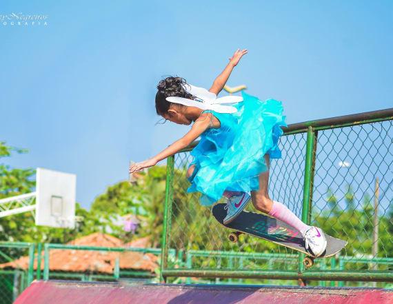 Skateboarding 'fairy princess' goes viral