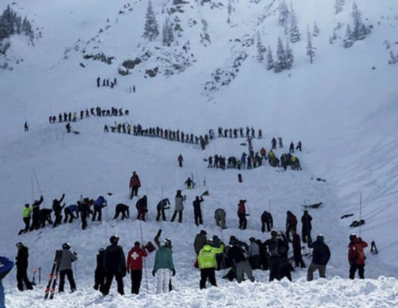 Avalanche kills skier, injures another in New Mexico