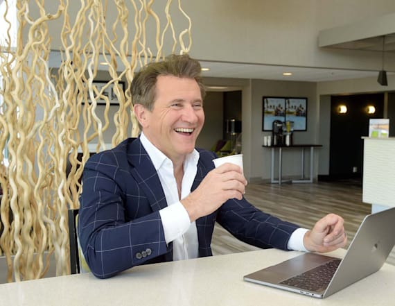 Robert Herjavec reveals business travel tips