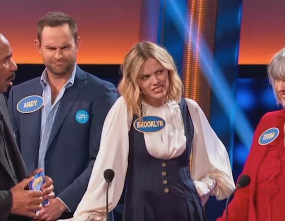 Things get awkward for Andy Roddick on 'Family Feud'