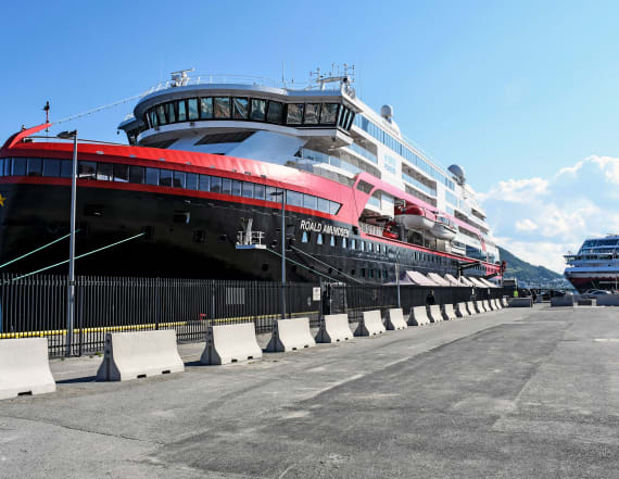 Outbreak hits cruise ship, could spread along coast