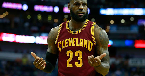 1601d9c1017 'We're top-heavy as s---': LeBron James blasted the Cavaliers roster after  losing for the fifth time in 7 games - AOL News