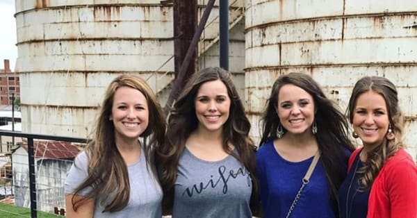 Duggar daughters make a visit to Chip and Joanna Gaines' Magnolia Market -  AOL Entertainment