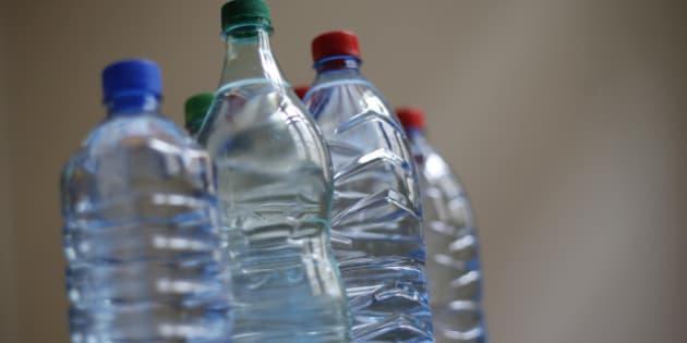 eau en bouteille une contre expertise dment la prsence de rsidus de mdicaments