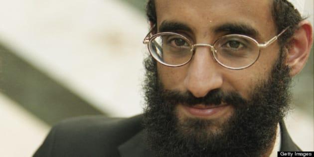 FALLS CHURCH, VA - OCTOBER 04: Anwar Al-Awlaki  at Dar al Hijrah Mosque on October 4 2001 in Falls Church, VA. (Photo by Tracy Woodward/The Washington Post via Getty Images).