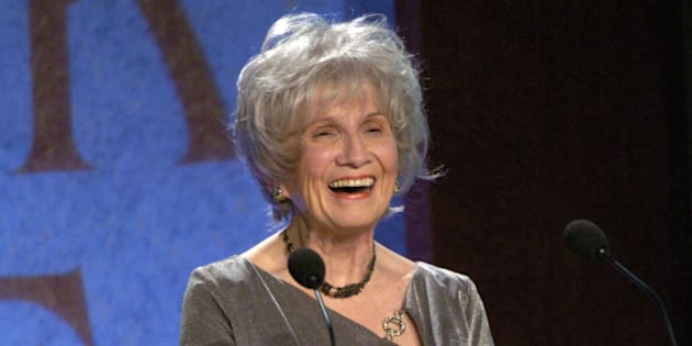 Alice Munro accepts the 2004 Giller Prize for her collection of short stories entitled, 'Runaway' Thursday night at the Four Season's Hotel in Toronto. (Photo by Lucas Oleniuk/Toronto Star via Getty Images)