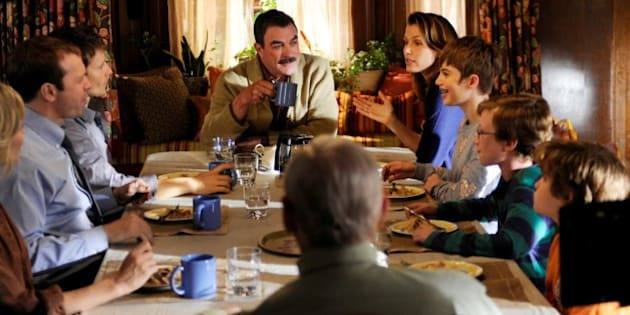 http%3A%2F%2Fi.huffpost.com%2Fgen%2F1440244%2Fimages%2Fn BLUE BLOODS 628x314 blue bloods' season 4 what it's like at the dinner table
