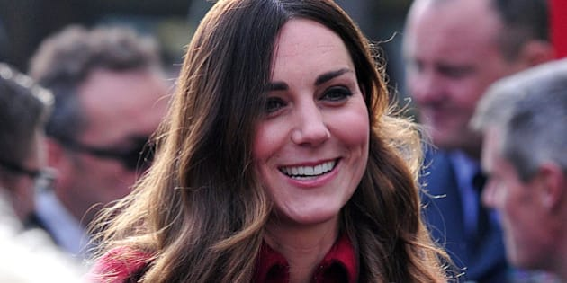 LONDON , ENGLAND - NOVEMBER 07:  (EDITORS NOTE: Retransmission with alternate crop.) Catherine, Duchess of Cambridge prepares to meet staff and volunteers from The Royal British Legion's London Poppy Day Appeal at Kensington Palace on November 07, 2013 in London, England. (Photo by Carl Court - Pool/Getty Images)