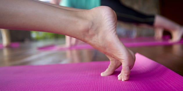 how to make your feet stop sweating in heels