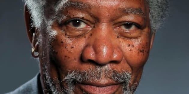 Video Un Dessin Tres Realiste De Morgan Freeman Realise Au Doigt