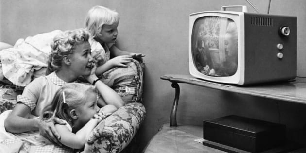 A family watching television in their home, circa 1955. (Photo by Archive Photos/Getty Images)