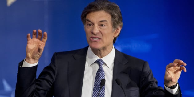 Talk show host Dr. Mehmet Oz, left, speaks at the closing session of the National Governors Association 2013 Winter Meeting in Washington, Monday, Feb. 25, 2013. (AP Photo/Manuel Balce Ceneta)