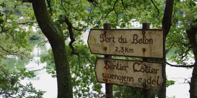 """La langue bretonne est encore présente à Moelan sur mer.  <a href=""""http://www.gite-bretagne-tigoudoul.fr"""" rel=""""nofollow"""">Site Internet</a> - <a href=""""http://facebook.com/gite.bretagne.tigoudoul"""" rel=""""nofollow"""">Facebook</a> - <a href=""""http://youtu.be/y_2iH164Z7g"""" rel=""""nofollow"""">Youtube</a>.   Pentax K200D/Tamron AF 18-200mm f/3.5-6.3 XR Di II LD."""