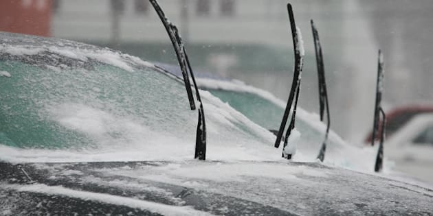 NORTH BEACH, MD -  JANUARY 21:   Windshield wipers stand at attention for the coming freeze during a snow storm on Tuesday, December 21, 2014. (Photo by Ray K. Saunders/The Washington Post via Getty Images)