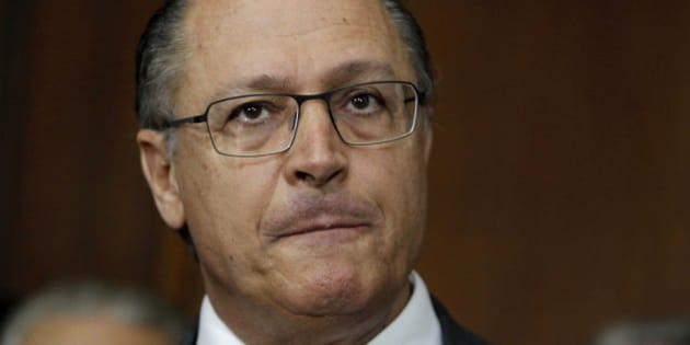 SAO PAULO, BRAZIL - JUNE 25:  (BRAZIL OUT) Governor Geraldo Alckmin gives an interview at the Palacio dos Bandeirantes, he announces crime rates and projects in transport on June 25, 2013 in Sao Paulo, Brazil. (Photo by Marcos Alves/Globo via Getty Images)