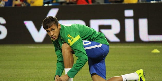 Neymar (Warm-up || Brazil v. Chile)